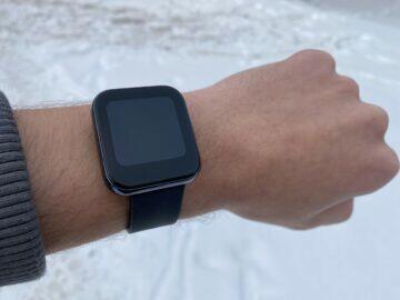 chytré hodinky do 2000