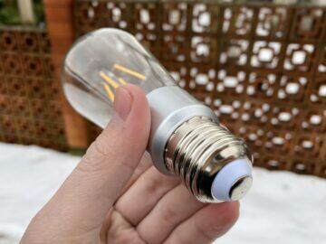 vintage shelly malá žárovka