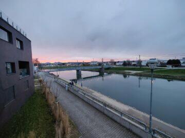 OnePlus 9 Pro ultraširokoúhlý západ slunce