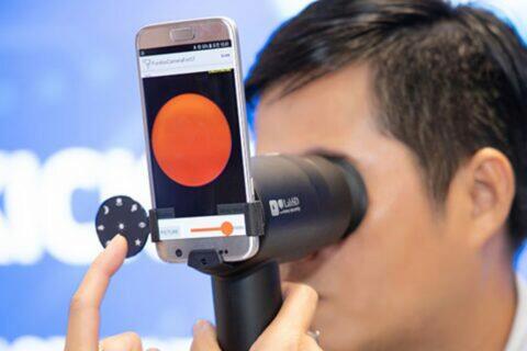 Samsung mobily měření zraku EYELIKE