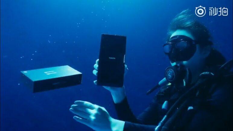 Xiaomi Mi 11 Ultra Cool Underwater Unpacking Video