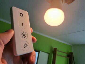 detail žárovka ovladač