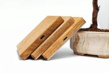 dřevěná bezdrátová nabíječka - varianty dreva