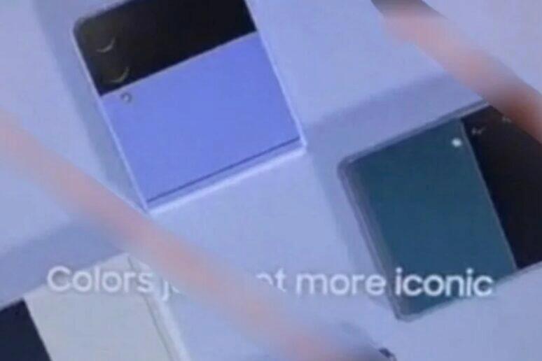 Galaxy Z Flip 3 uniklé snímky