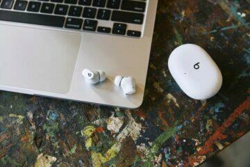 TWS sluchátka Beats Studio Buds