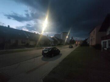 fotografie z noci Oppo Reno5 5G
