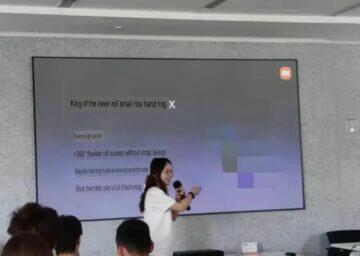 Xiaomi Mi Band X náramek displej prezentace 2
