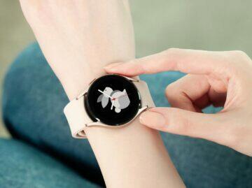 Samsung Galaxy Watch4 růžová zápěstí