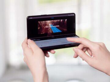 Samsung Galaxy Z Fold3 flex