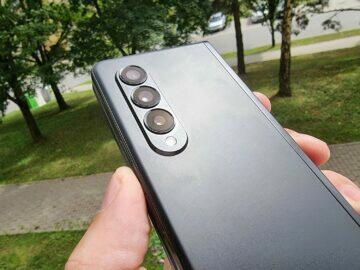Samsung Galaxy Z Fold3 recenze design fotoaparáty