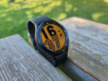 Samsung Galaxy Watch4 recenze ciferník žlutá