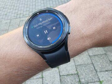 Samsung Galaxy Watch4 recenze funkce hudba