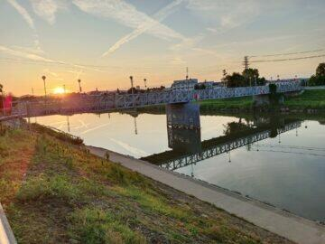 Vivo v21 5G foto západ slunce nad řekou