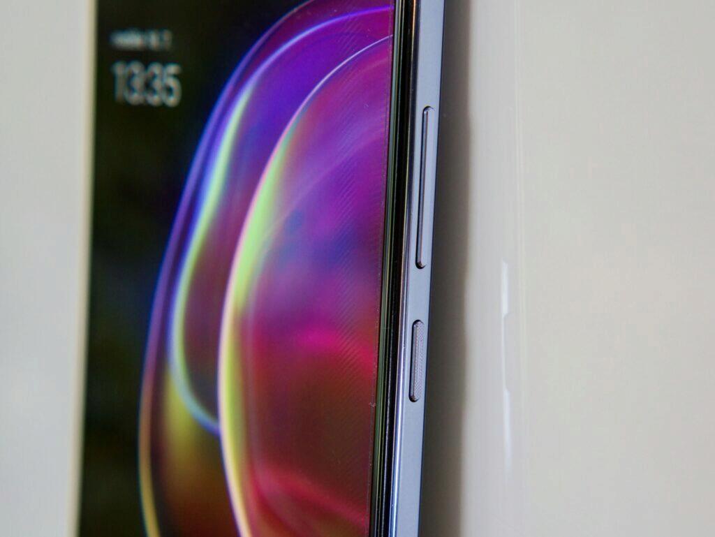 tlačítka Vivo V21 5G