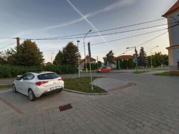 Vivo v21 5G ultraširokoúhlé foto parkoviště
