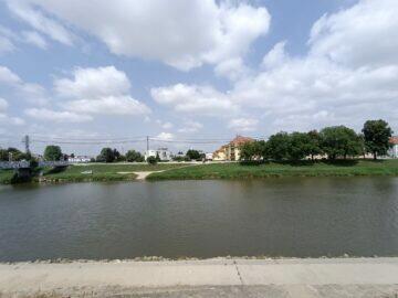 Vivo v21 5G ultraširokoúhlé foto řeka