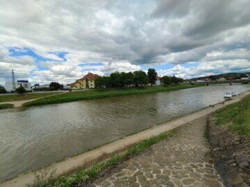 Vivo X60 Pro ultraširokoúhlý fotoaparát řeka