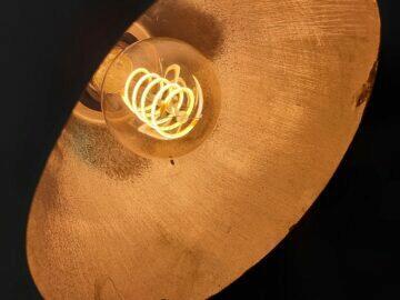 LED filament žárovky spirála